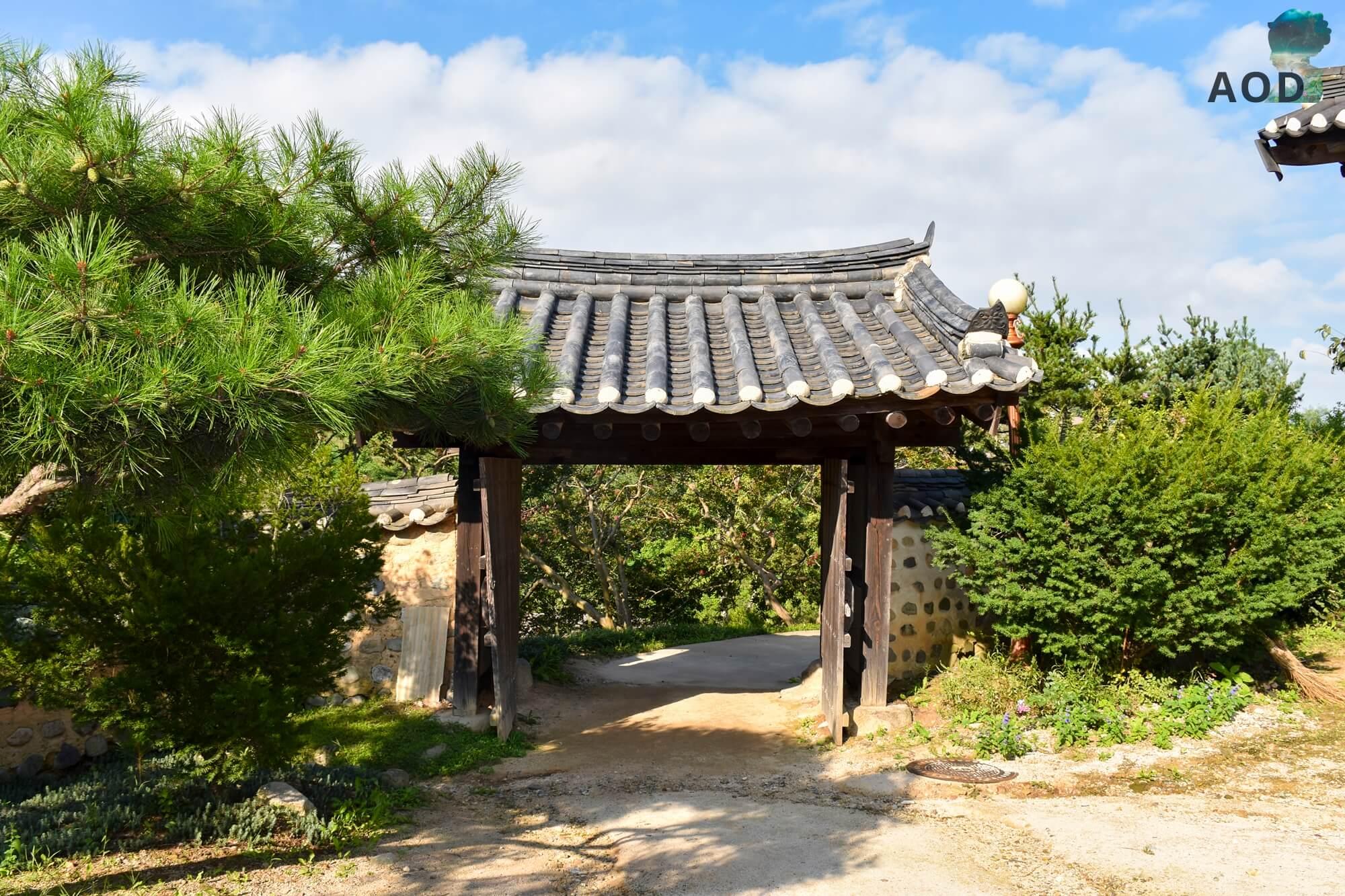 Yangdong Maeul - Tor zu einem traditionellen Haus
