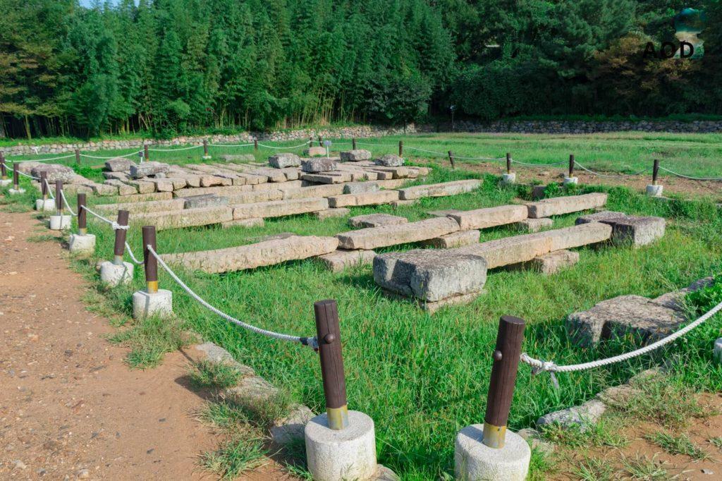 Grundsteine des Tempels