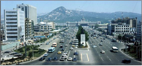 Gwanghwamun-Platz 1974 mit japanischen Regierungsgebäude